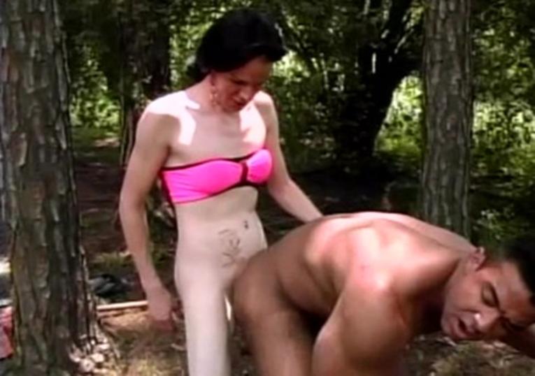 Douglas Torres dando para uma travesti